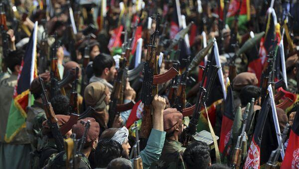 Вооруженные афганские ополченцы  в Кабуле, Афганистан, 23 июня 2021 года  - Sputnik Azərbaycan