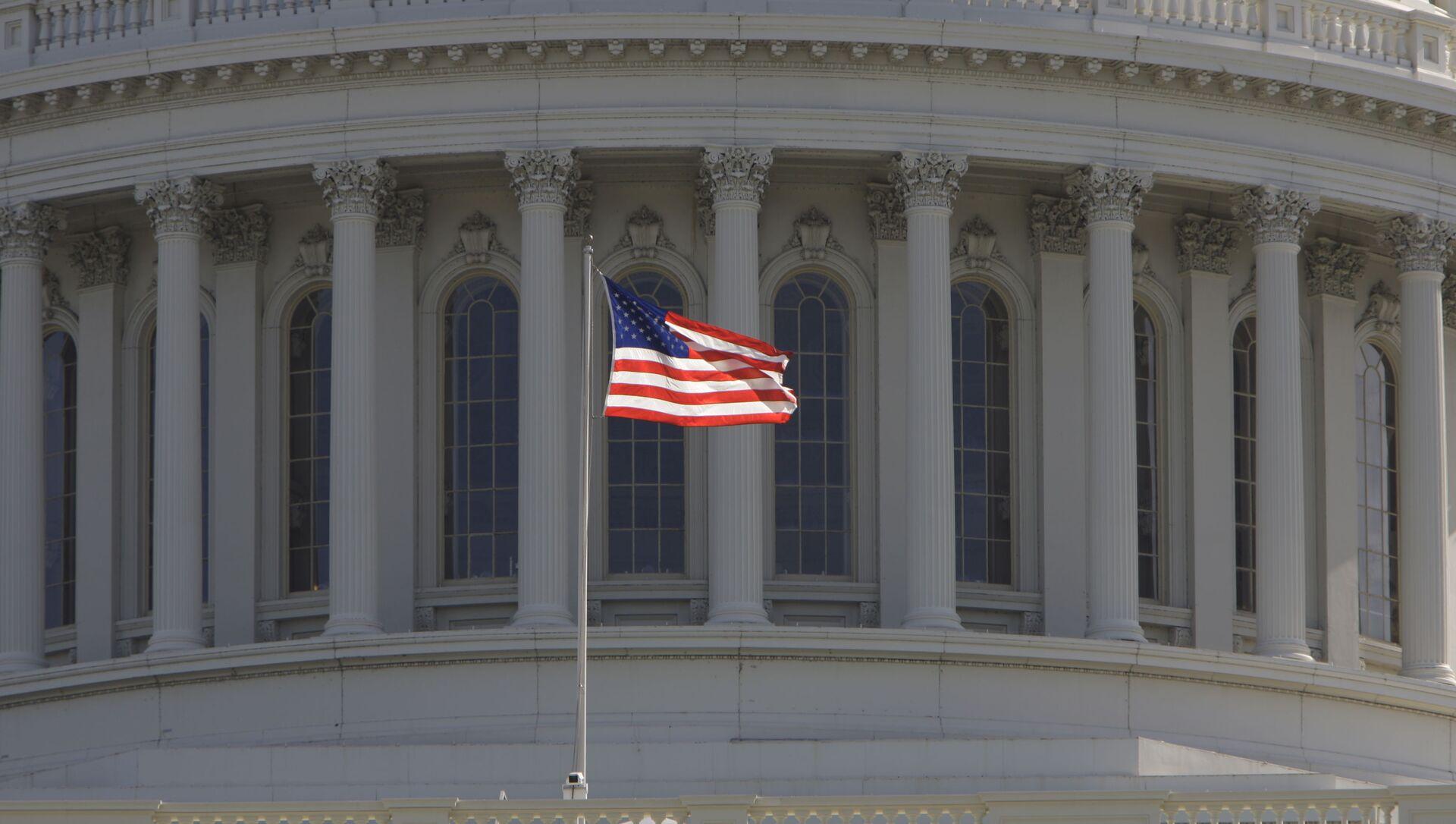 Капитолий, здание в Вашингтоне, где заседает конгресс США - Sputnik Азербайджан, 1920, 19.07.2021