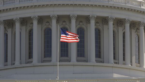 Капитолий, здание в Вашингтоне, где заседает конгресс США - Sputnik Азербайджан