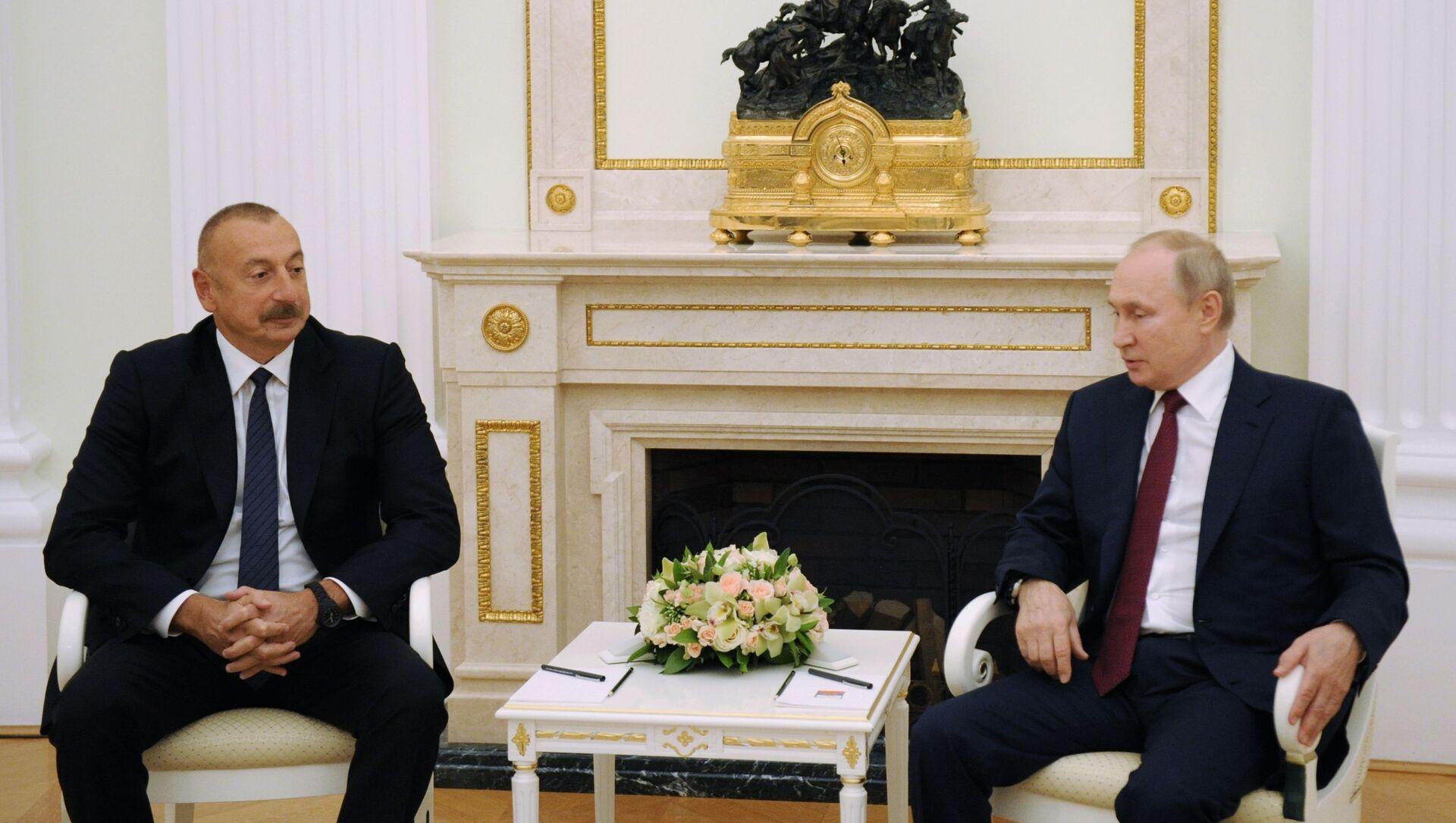 Президент Азербайджана Ильхам Алиев и президент России Владимир Путин, фото из архива - Sputnik Азербайджан, 1920, 21.09.2021