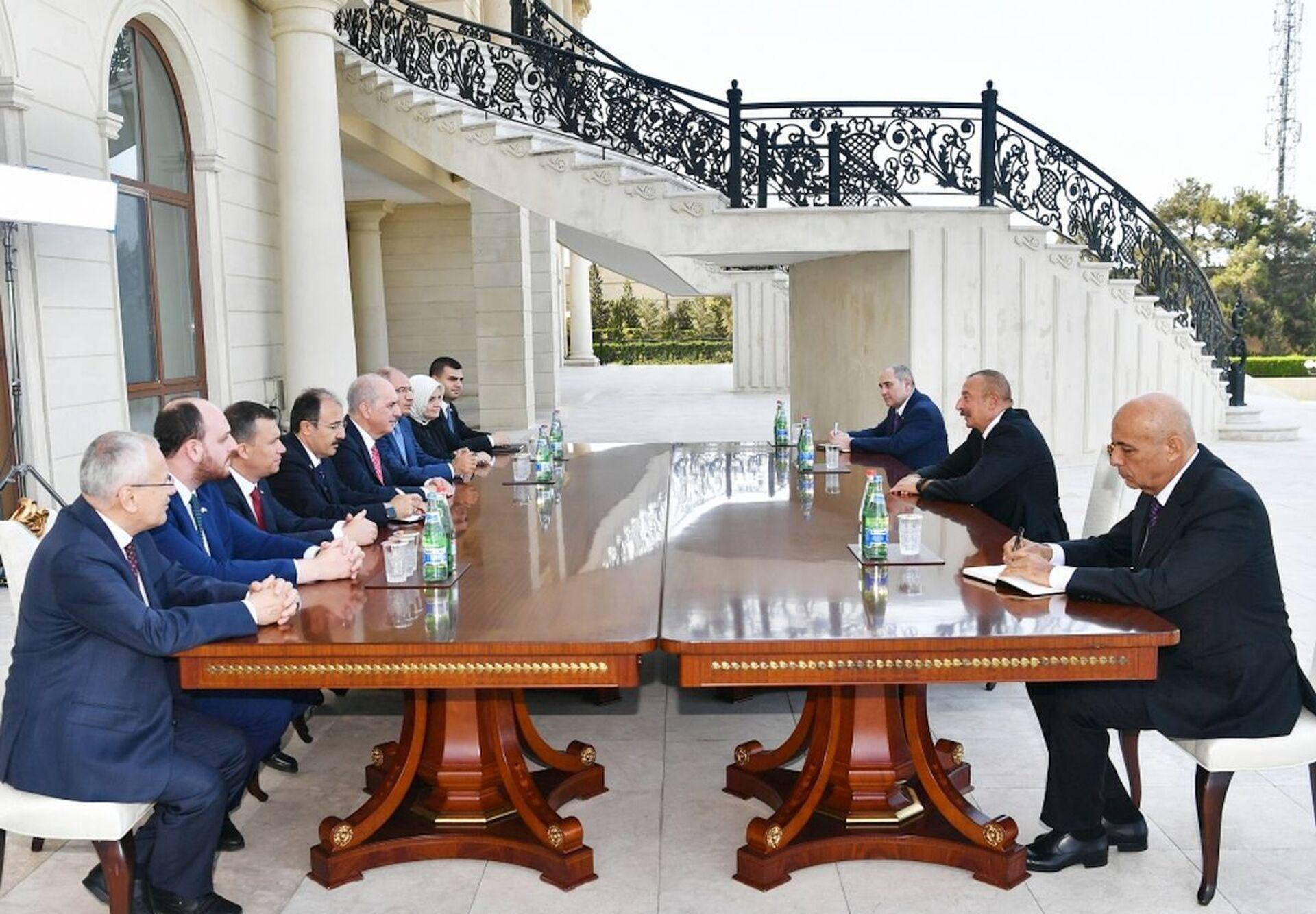 Президент Азербайджана принял представителей правящей партии Турции - Sputnik Азербайджан, 1920, 26.07.2021