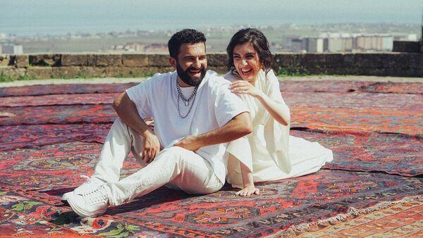 Певцы Бахтияр Алиев (Bahh Tee) и Туркен Салманова (Turken) - Sputnik Азербайджан
