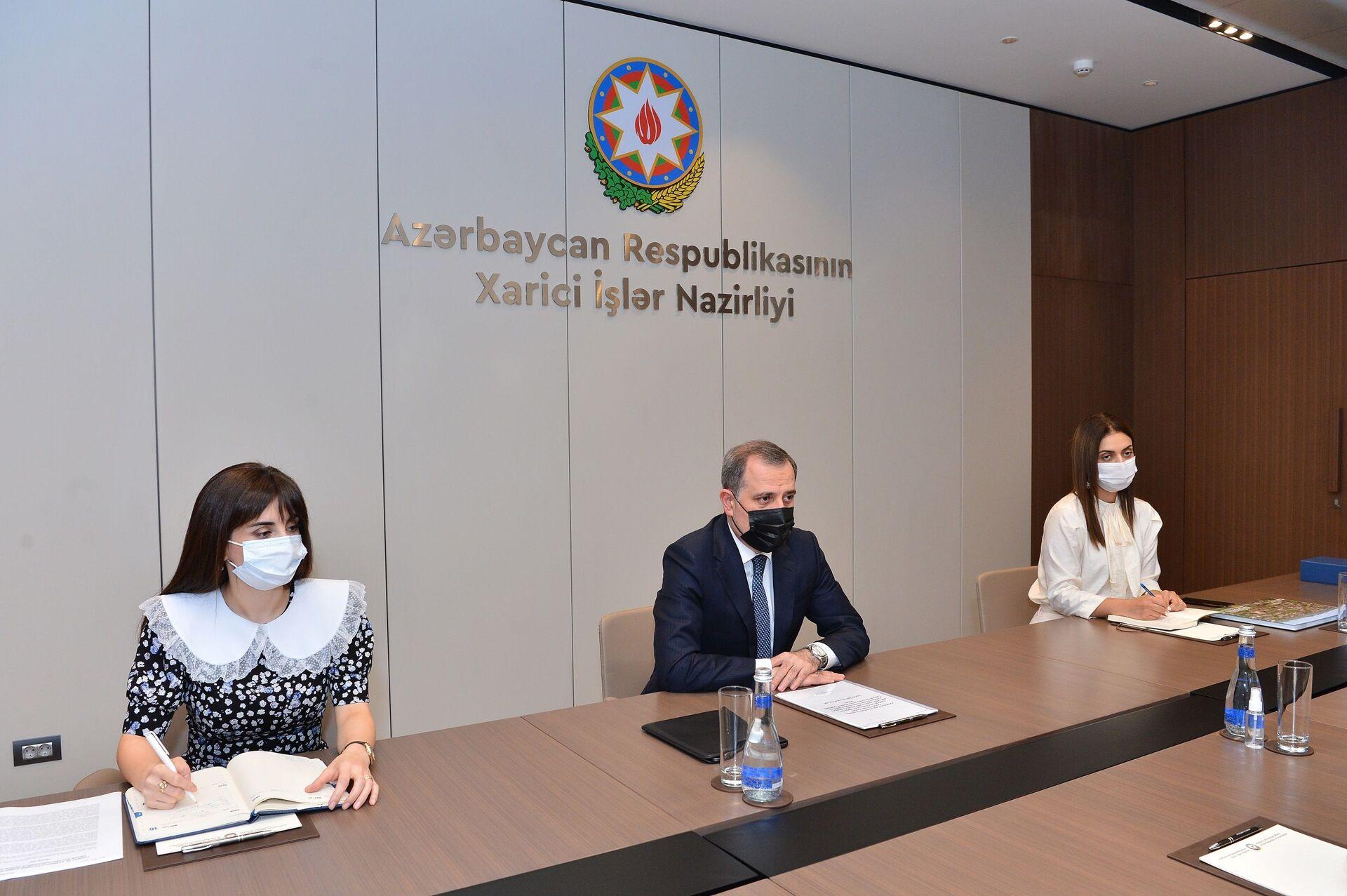 Джейхун Байрамов попрощался с главой представительства ЮНИСЕФ в Азербайджане - Sputnik Азербайджан, 1920, 28.07.2021