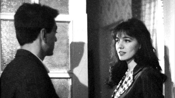 Фильм снят по мотивам романа Анара Шестой этаж пятиэтажного дома.  - Sputnik Азербайджан