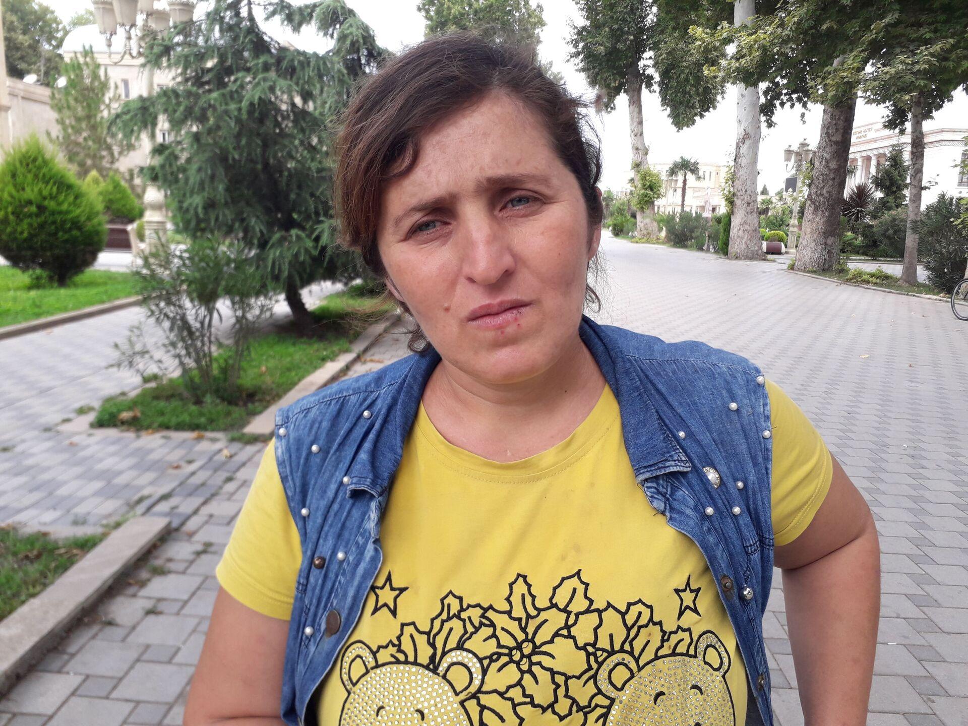 Uşağını küçəyə atan qadını doğma anası da evdən qovdu - Təfərrüat - Sputnik Azərbaycan, 1920, 30.07.2021