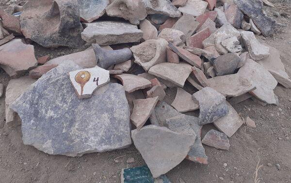 Naftalan-Goranboy arxeoloji ekspedisiyası tərəfindən ötən aparılan arxeoloji qazıntılar zamanı - Sputnik Azərbaycan
