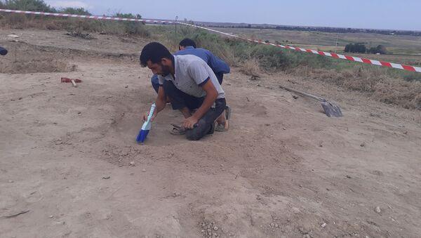 Naftalan-Goranboy arxeoloji ekspedisiyası tərəfindən ötən aparılan arxeoloji qazıntılar zamanı - Sputnik Азербайджан