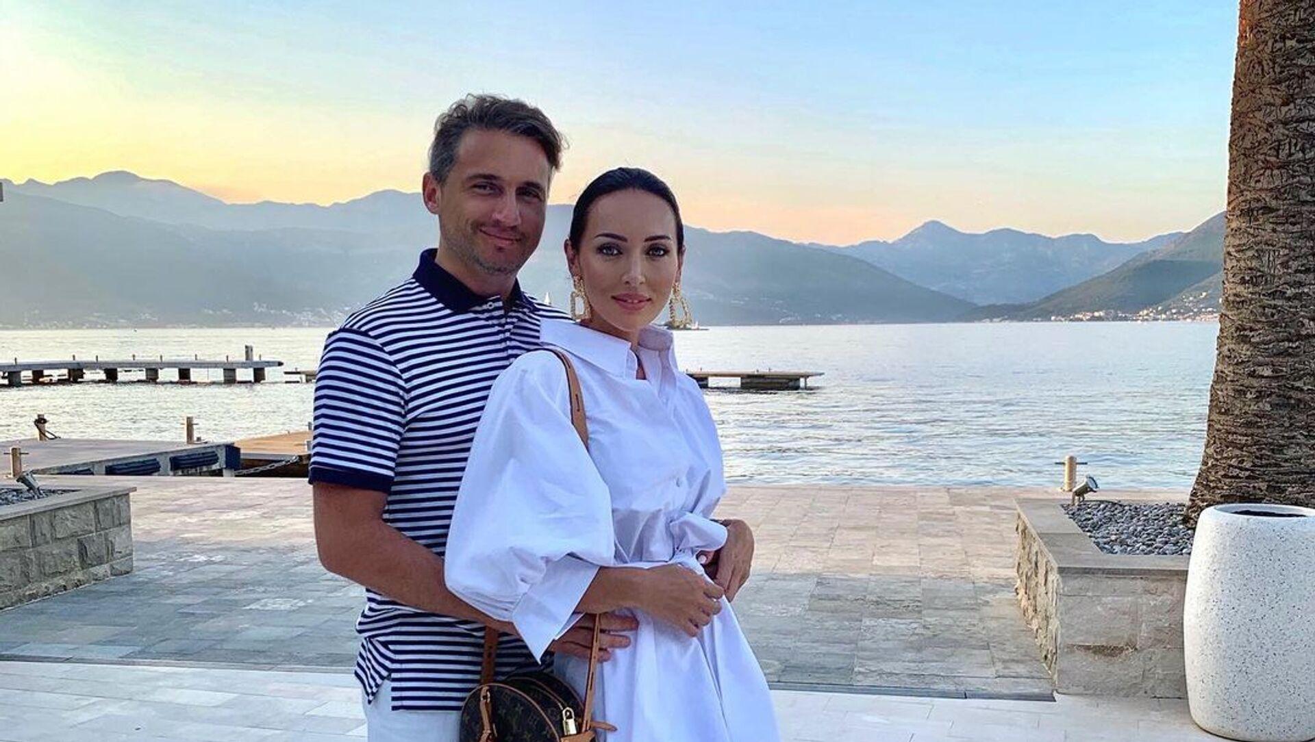 Певица Алсу вместе со своим супругом-бакинцем Яном Абрамовым - Sputnik Азербайджан, 1920, 31.07.2021