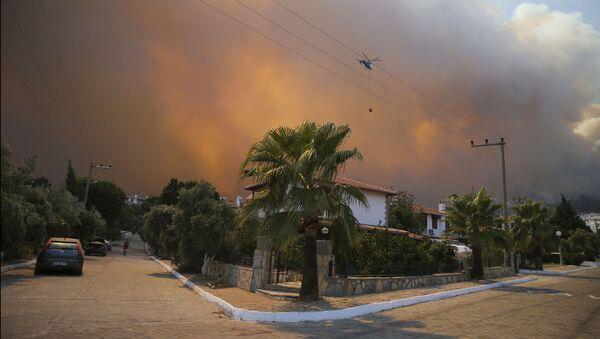 Лесной пожар в Бодруме, Турция - Sputnik Azərbaycan