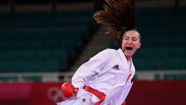 Азербайджанская каратистка Ирина Зарецкая во время выступления на Олимпийских играх в Токио - Sputnik Azərbaycan