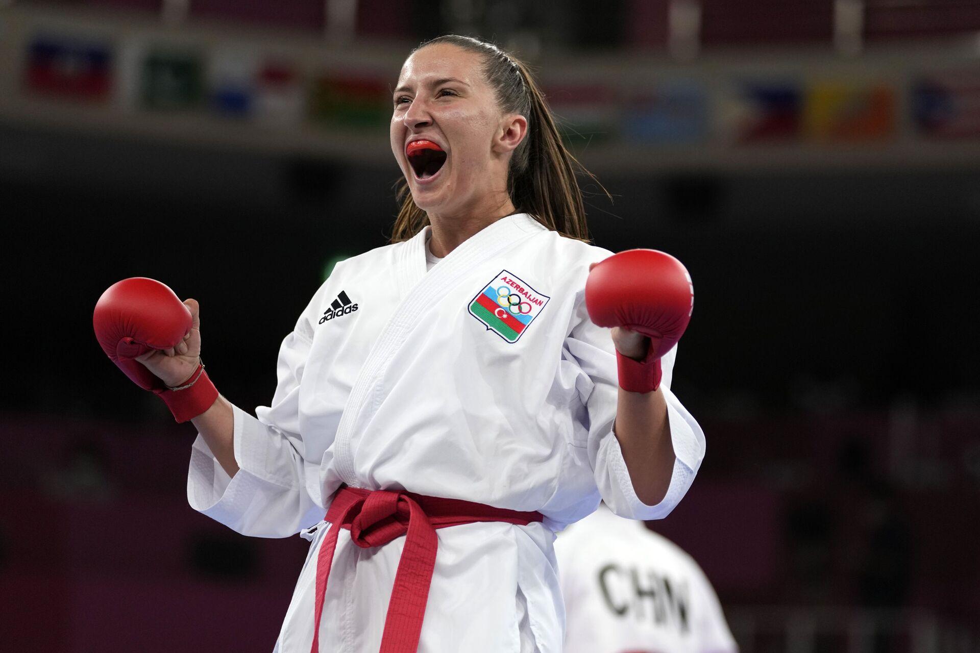 Азербайджанская каратистка Ирина Зарецкая во время выступления на Олимпийских играх в Токио - Sputnik Азербайджан, 1920, 01.10.2021
