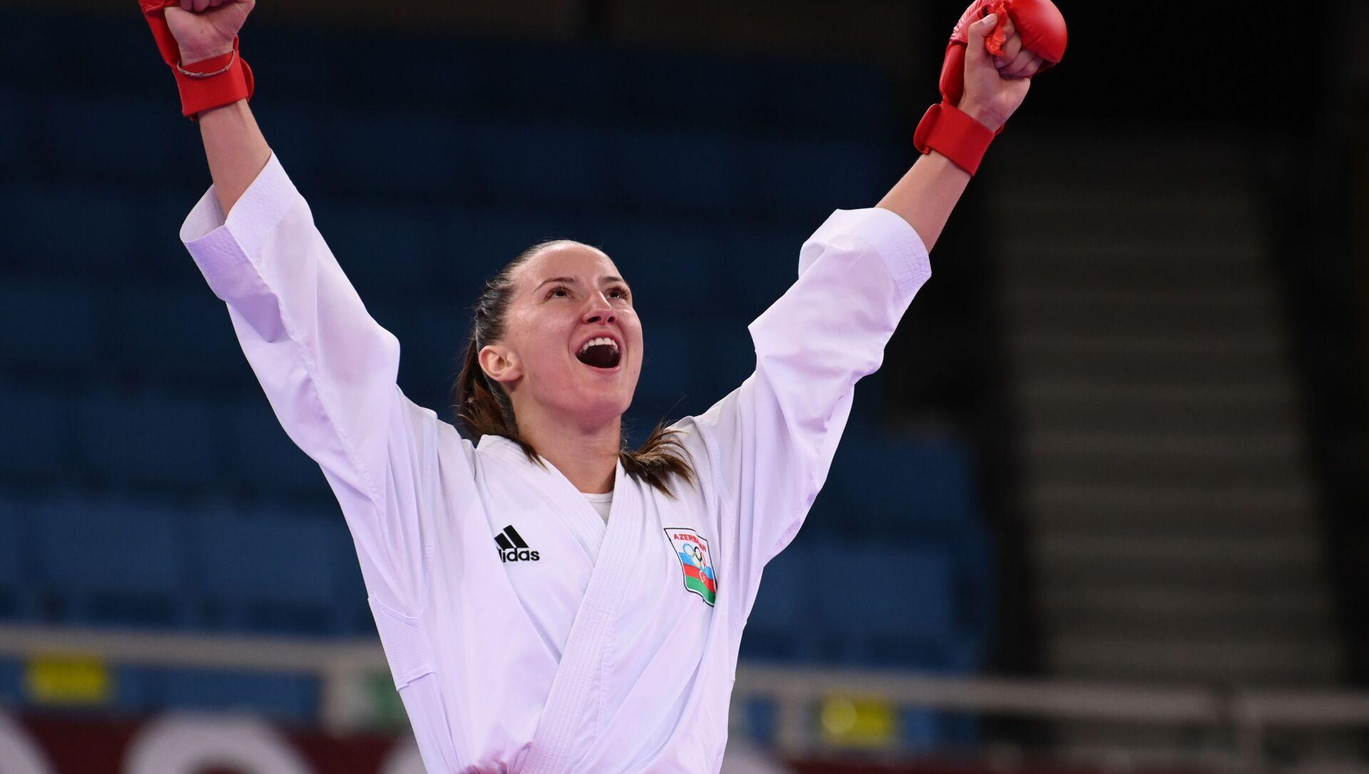 Азербайджанская каратистка Ирина Зарецкая во время выступления на Олимпийских играх в Токио - Sputnik Азербайджан, 1920, 10.08.2021
