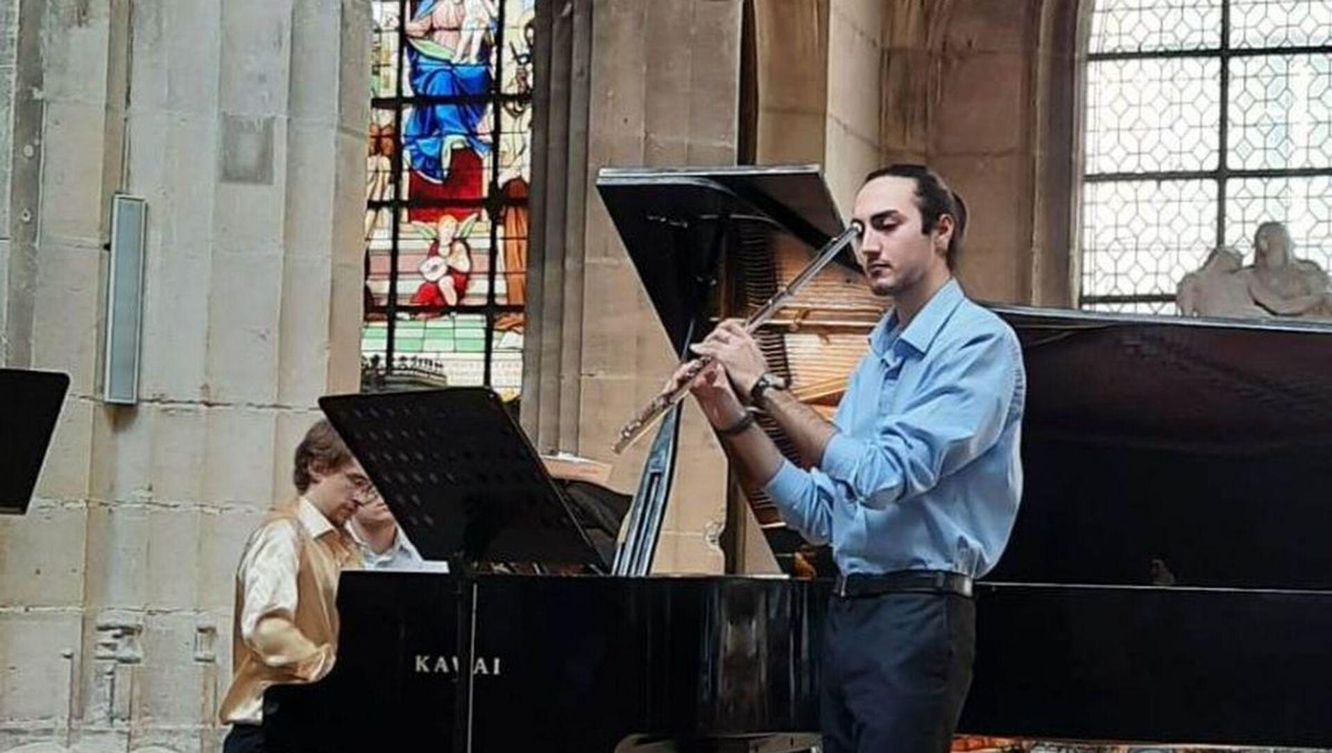 Концерт азербайджанского флейтиста Агарагима Гулиева - Sputnik Азербайджан, 1920, 10.08.2021