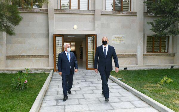 """Prezident İlham Əliyev əsaslı şəkildə yenidən qurulan """"Abşeron"""" yarımstansiyasının açılışında - Sputnik Азербайджан"""