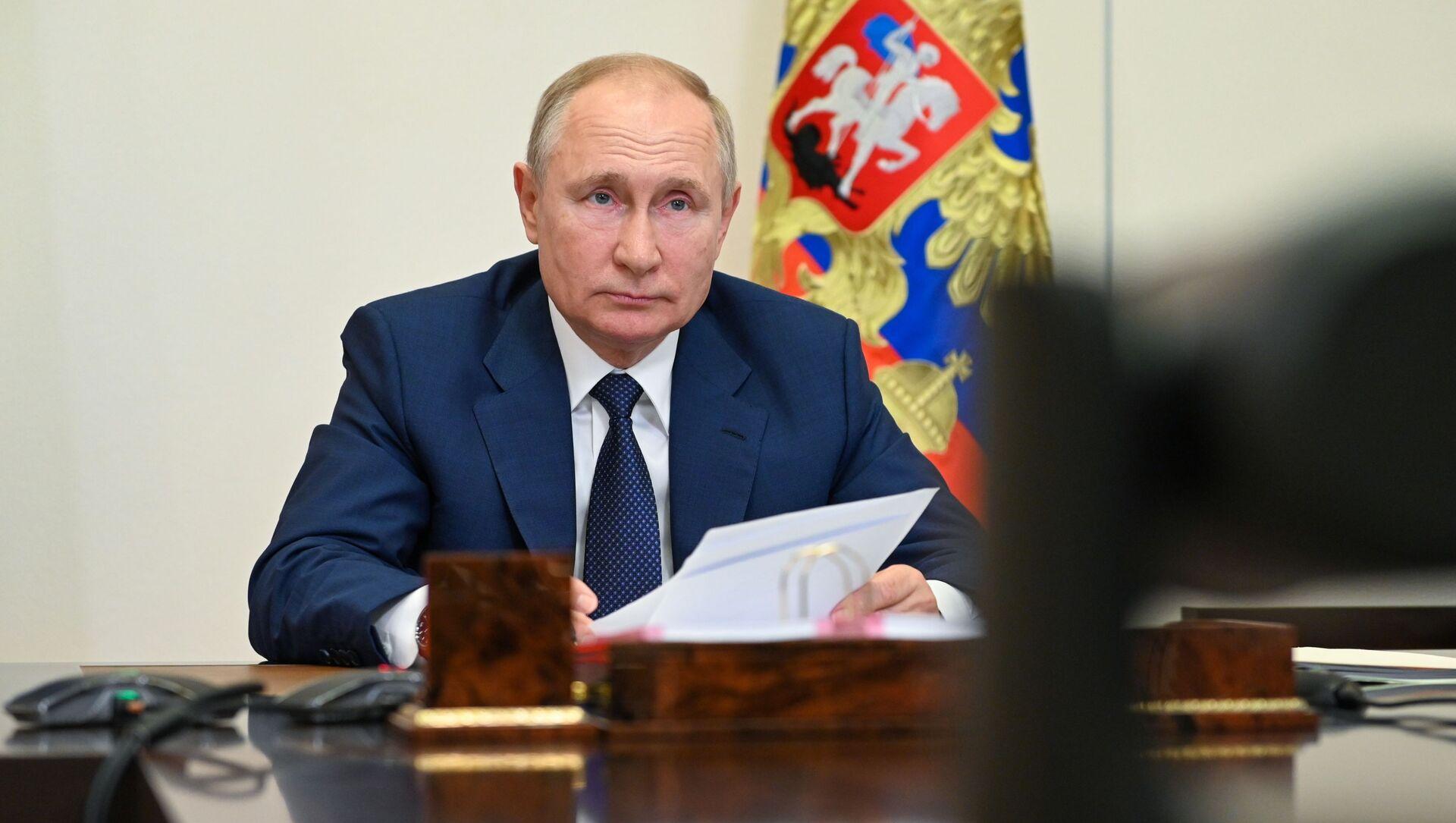 Президент РФ В. Путин провел встречу с членами паралимпийской команды России - Sputnik Azərbaycan, 1920, 27.08.2021
