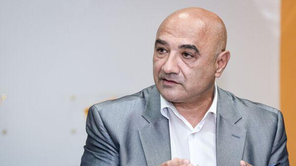 Политолог Тофик Аббасов - Sputnik Azərbaycan