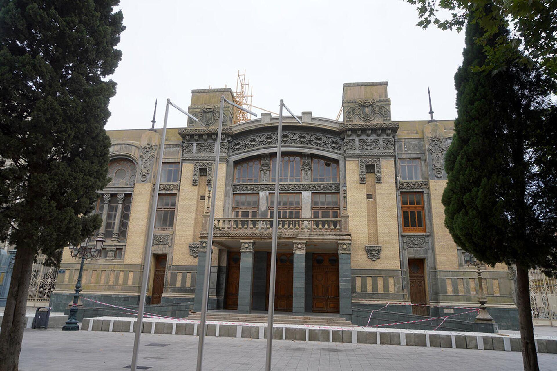 Реставрация здания Азербайджанского государственного академического театра оперы и балета - Sputnik Азербайджан, 1920, 01.10.2021