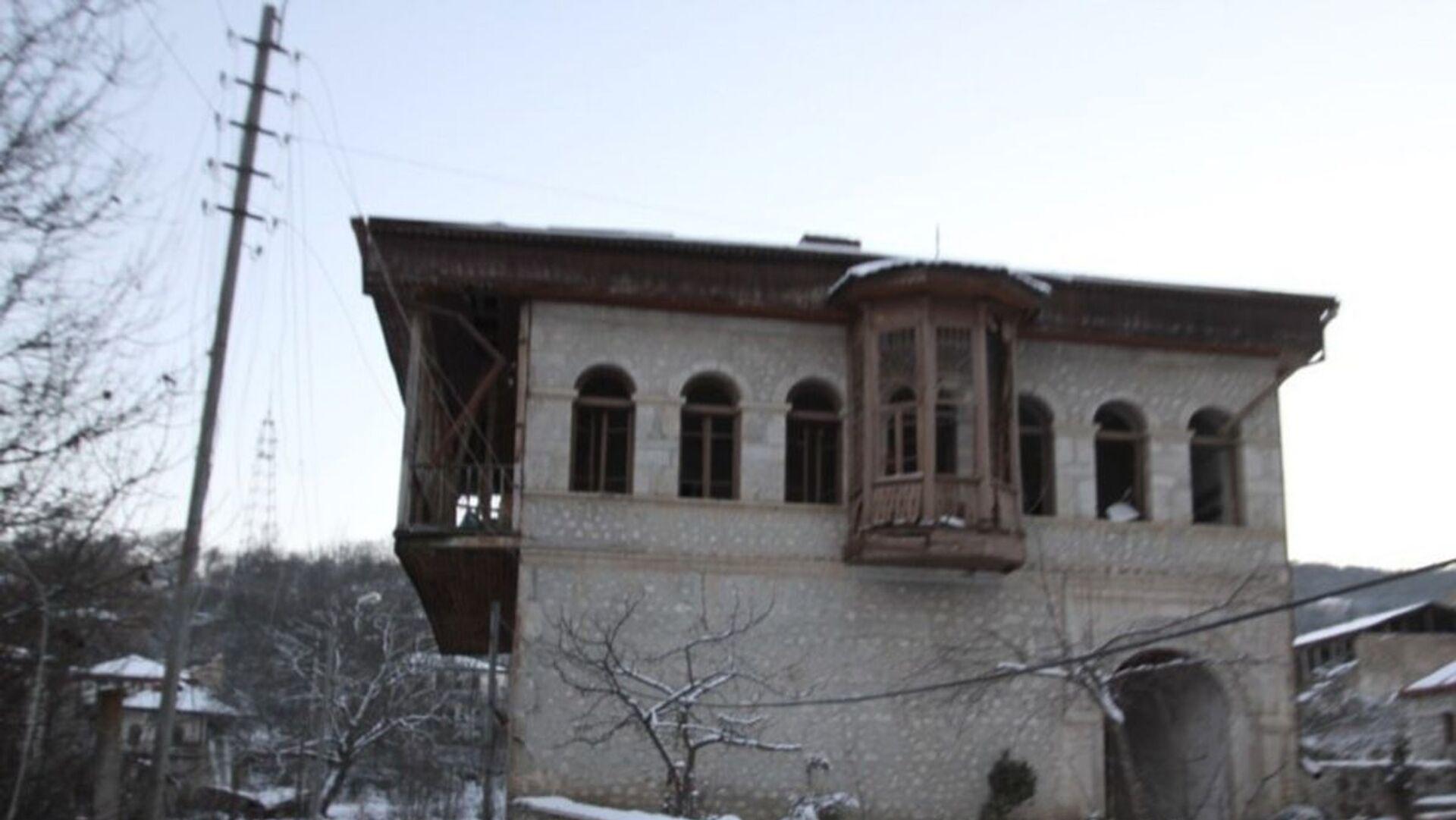 Дом семьи Мехмандаровых в Шуше - Sputnik Azərbaycan, 1920, 29.09.2021