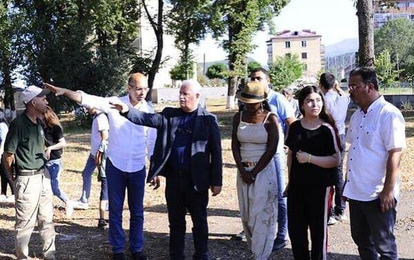 Американская певица Делла Майлз в Карабахе - Sputnik Азербайджан
