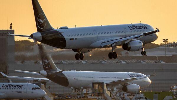 Самолет авиакомпании Lufthansa, фото из архива - Sputnik Азербайджан