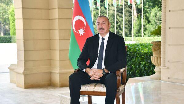 """Azərbaycan Prezidenti İlham Əliyev """"CNN Türk"""" televiziya kanalına müsahibəsi zamanı - Sputnik Азербайджан"""