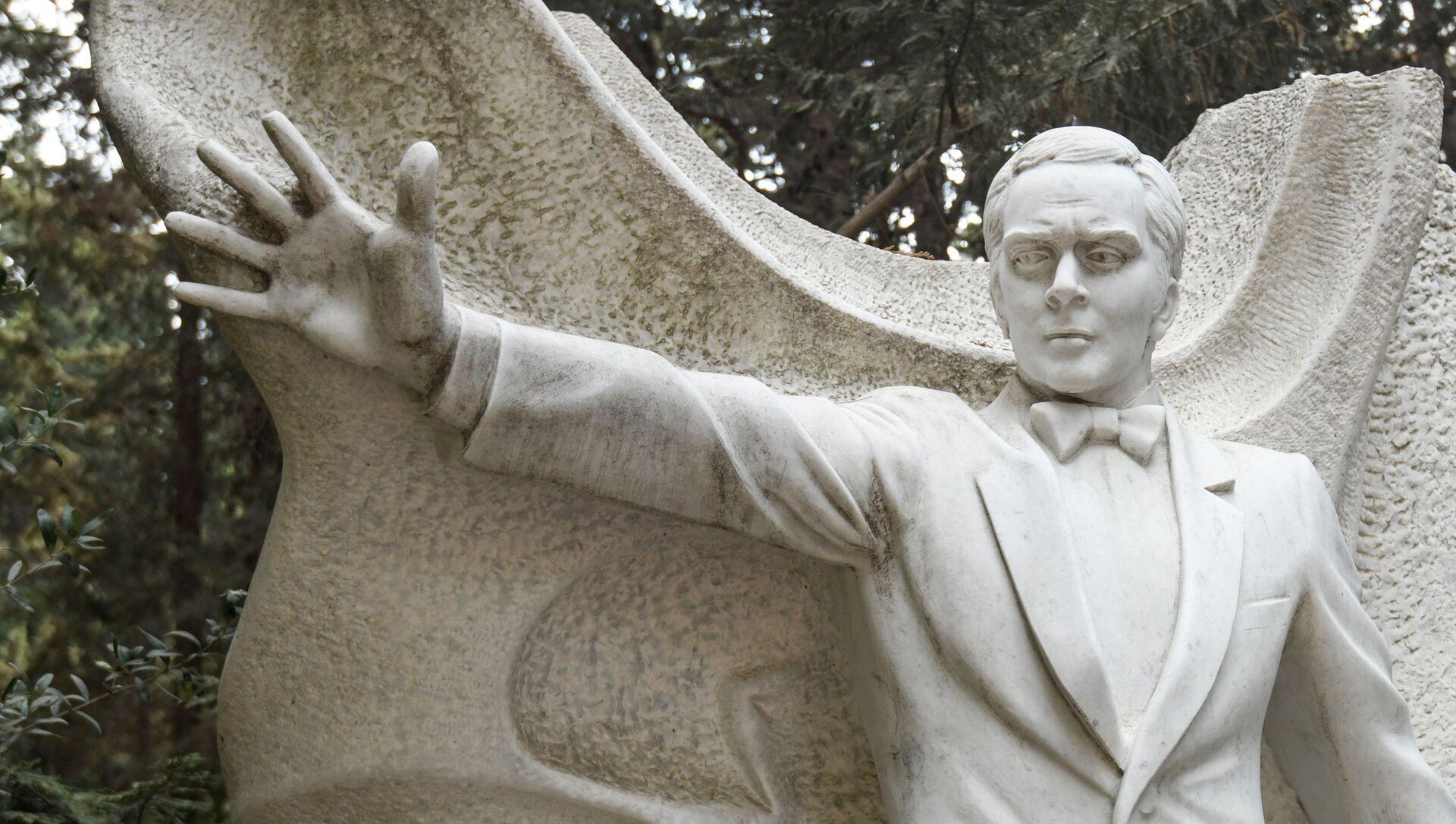 В Баку почтили память народного артиста СССР Муслима Магомаева  - Sputnik Азербайджан, 1920, 18.09.2021