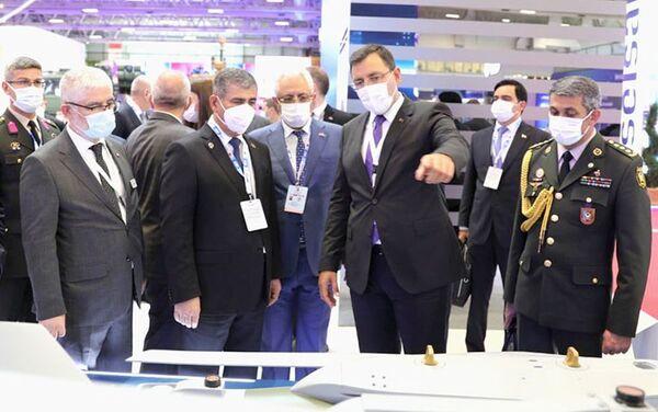 """Müdafiə naziri """"IDEF-2021"""" sərgisinin açılış mərasimində iştirak edib - Sputnik Азербайджан"""