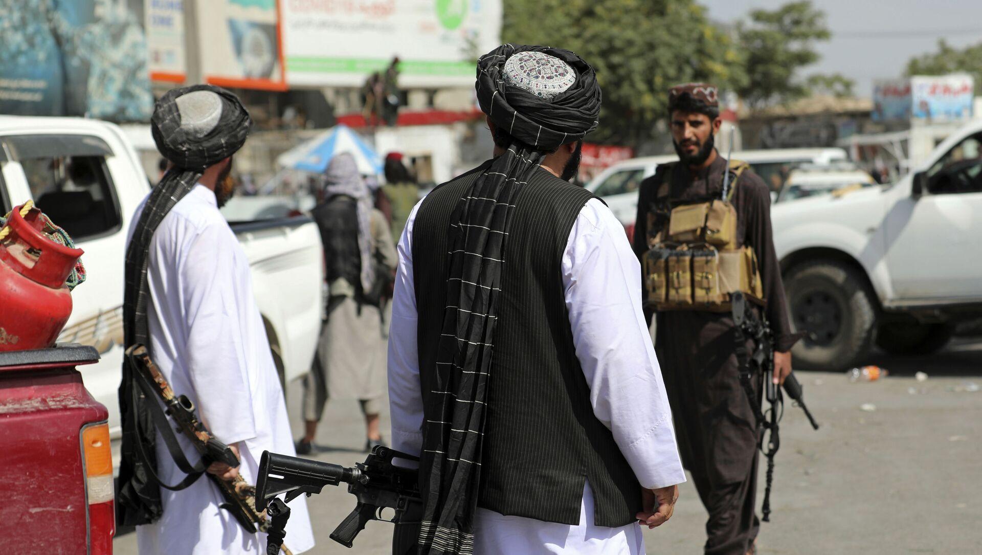 Боевики движения Талибан (террористическая группировка, запрещеннфая в РФ) в Кабуле, 16 авгутса 2021 года  - Sputnik Azərbaycan, 1920, 27.08.2021