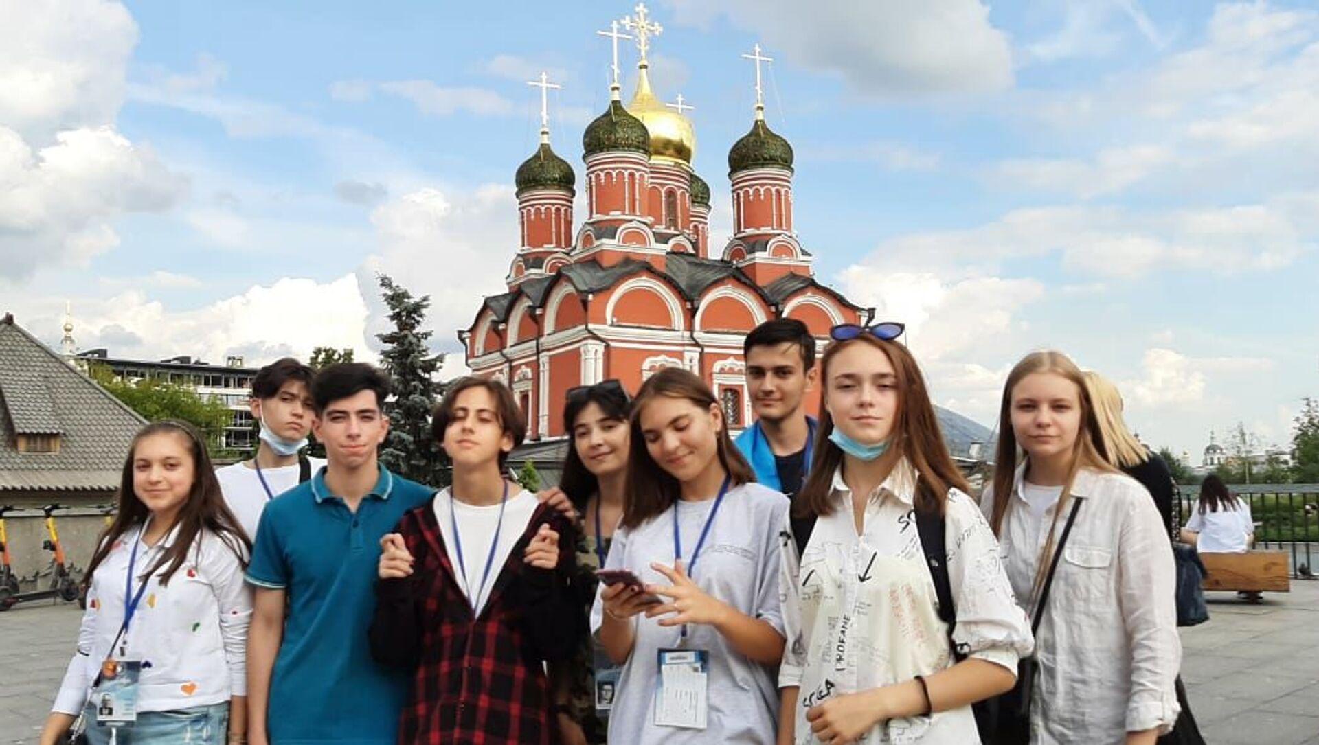 Участники программы программы Здравствуй, Россия! - Sputnik Азербайджан, 1920, 19.08.2021