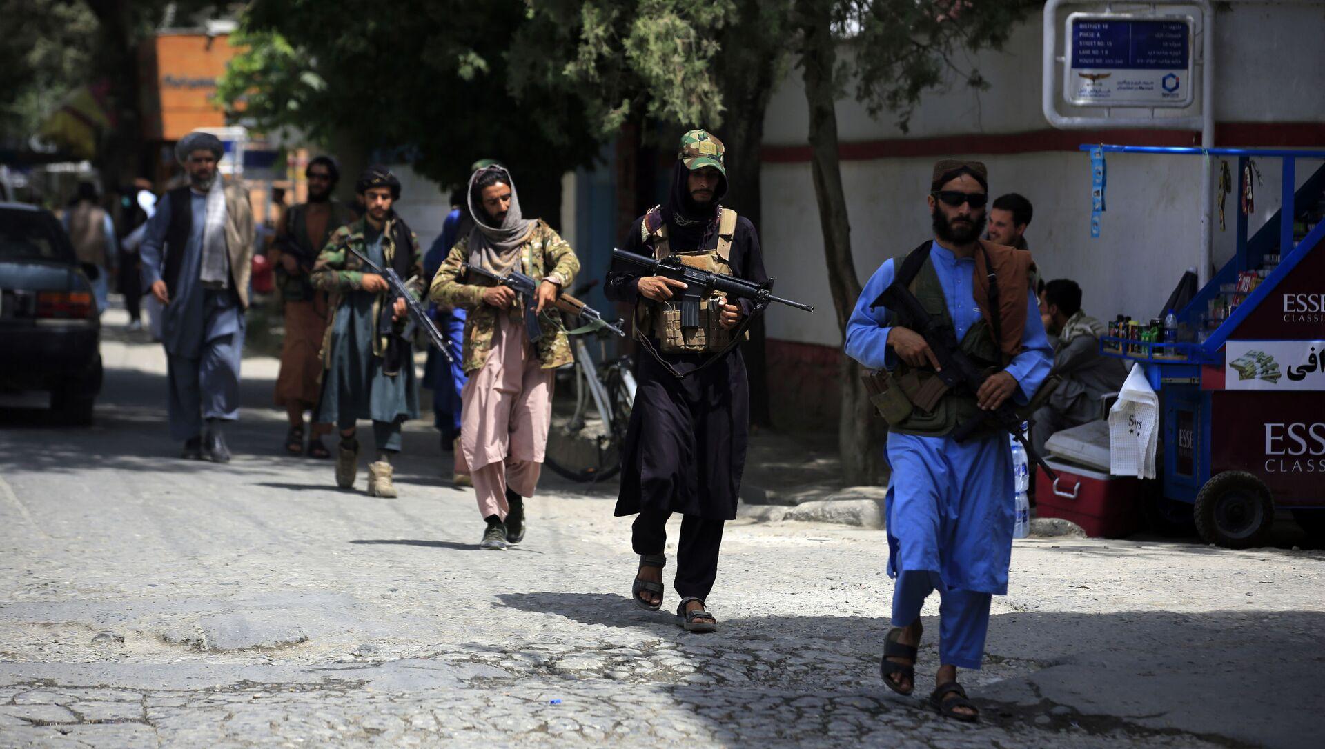 Боевики движения Талибан (террористическая группировка, запрещеннфая в РФ) в Кабуле, 18 авгутса 2021 года - Sputnik Azərbaycan, 1920, 07.09.2021