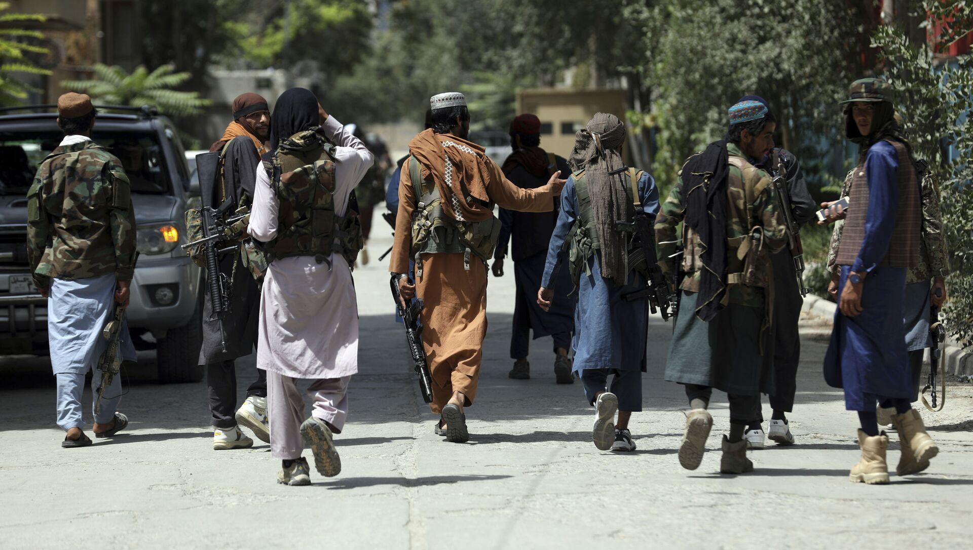 Боевики движения Талибан (террористическая группировка, запрещеннфая в РФ) в Кабуле, 18 авгутса 2021 года - Sputnik Азербайджан, 1920, 03.09.2021