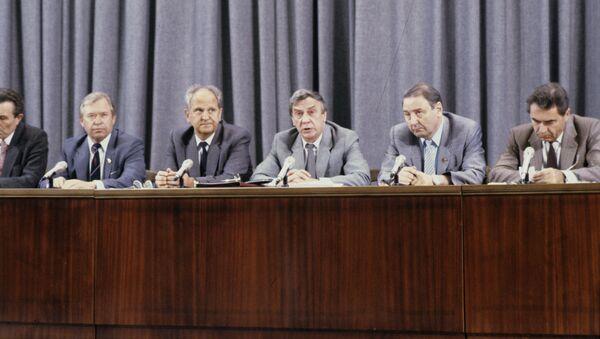 Пресс-конференция членов ГКЧП - Sputnik Азербайджан