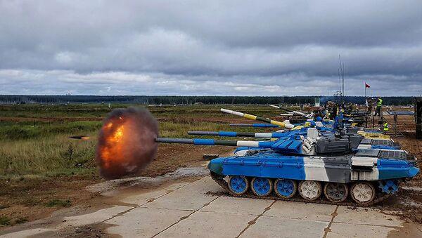 Азербайджанские танкисты продолжают подготовку к конкурсу Танковый биатлон - Sputnik Азербайджан