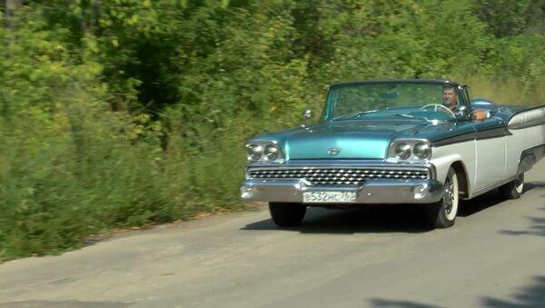 Винтажный автопарк: от легендарной полуторки до кабриолета модели Ford - Sputnik Азербайджан