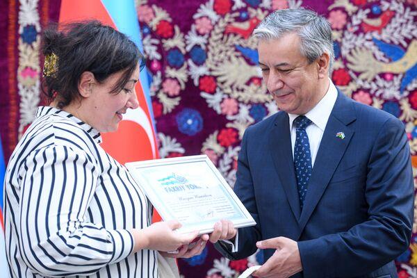 Победителям были вручены дипломы и ценные подарки. - Sputnik Азербайджан