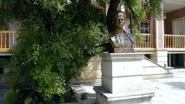 Дом-музей Ази Асланова хранит истории об отважных сыновьях Азербайджана - Sputnik Азербайджан