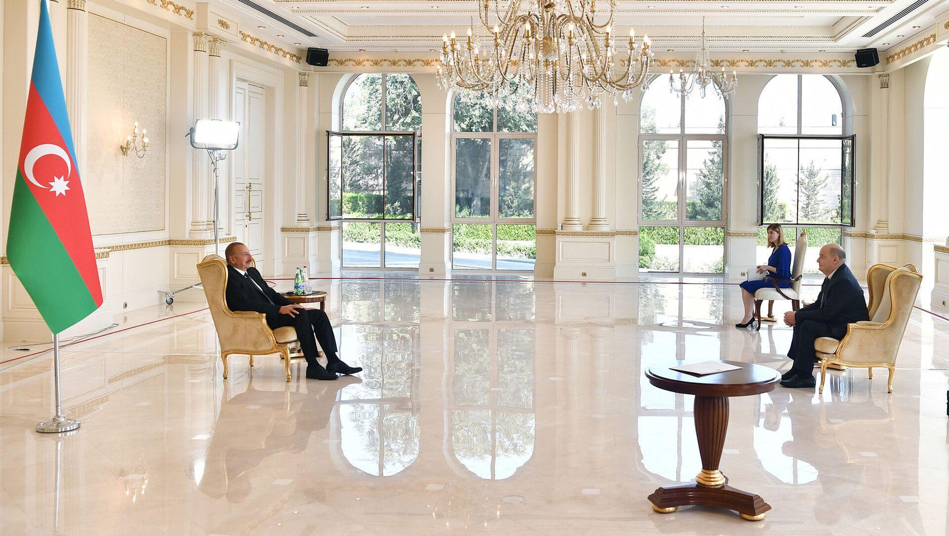 Президент Ильхам Алиев принял верительные грамоты новоназначенного посла Бельгии в Азербайджане - Sputnik Азербайджан, 1920, 24.08.2021