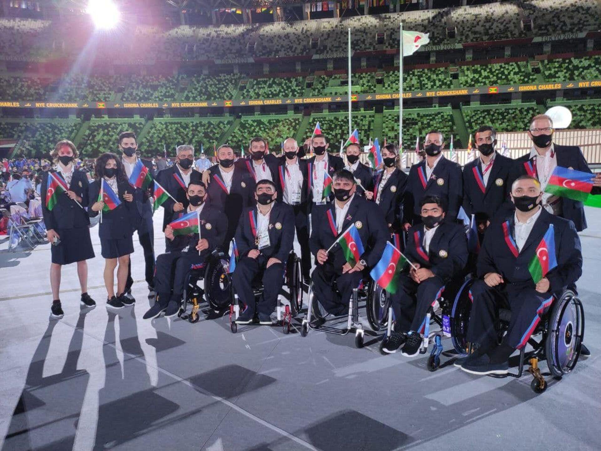 Azərbaycan paralimpiyaçıları Tokio 2020 XVI Yay Paralimpiya Oyunlarının açılış mərasimi  - Sputnik Azərbaycan, 1920, 01.10.2021