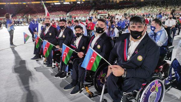 Azərbaycan paralimpiyaçıları Tokio 2020 XVI Yay Paralimpiya Oyunlarının açılış mərasimində  - Sputnik Azərbaycan