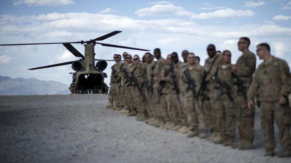 Американские военнослужащие в авиабазе Баграм, Афганистан, фото из архива - Sputnik Azərbaycan