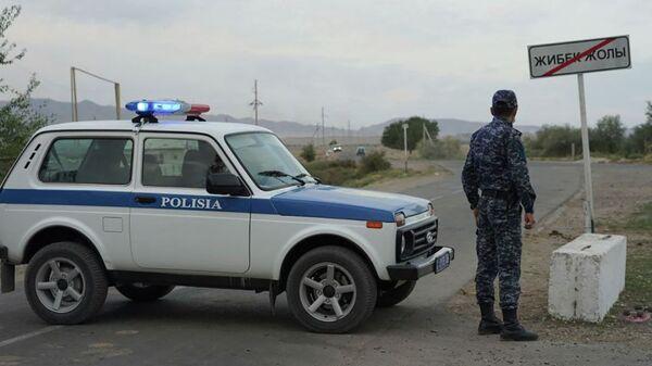 Qazaxıstanda Taraz şəhərində blokpost, arxiv şəkli - Sputnik Azərbaycan