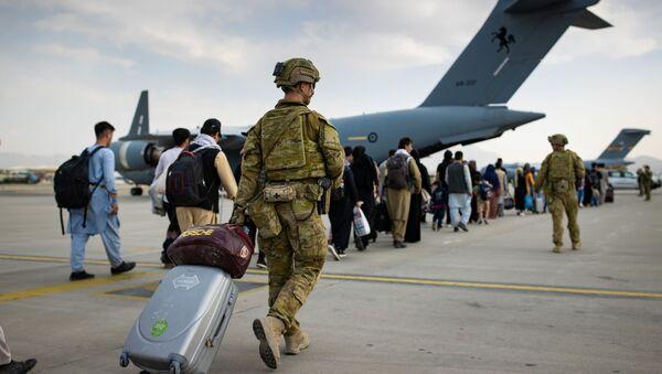 Австралийский военнослужащие в аэропорту Кабула - Sputnik Azərbaycan