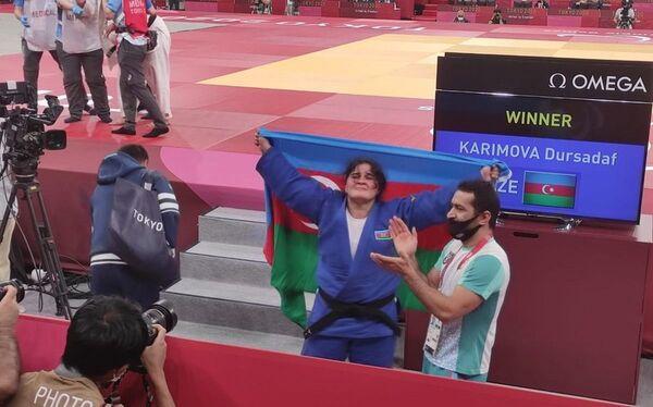 Дзюдоистка Дурсадаф Керимова (свыше 70 килограммов) - победительница летних Паралимпийских игр Токио-2020 (золотая медаль). - Sputnik Азербайджан