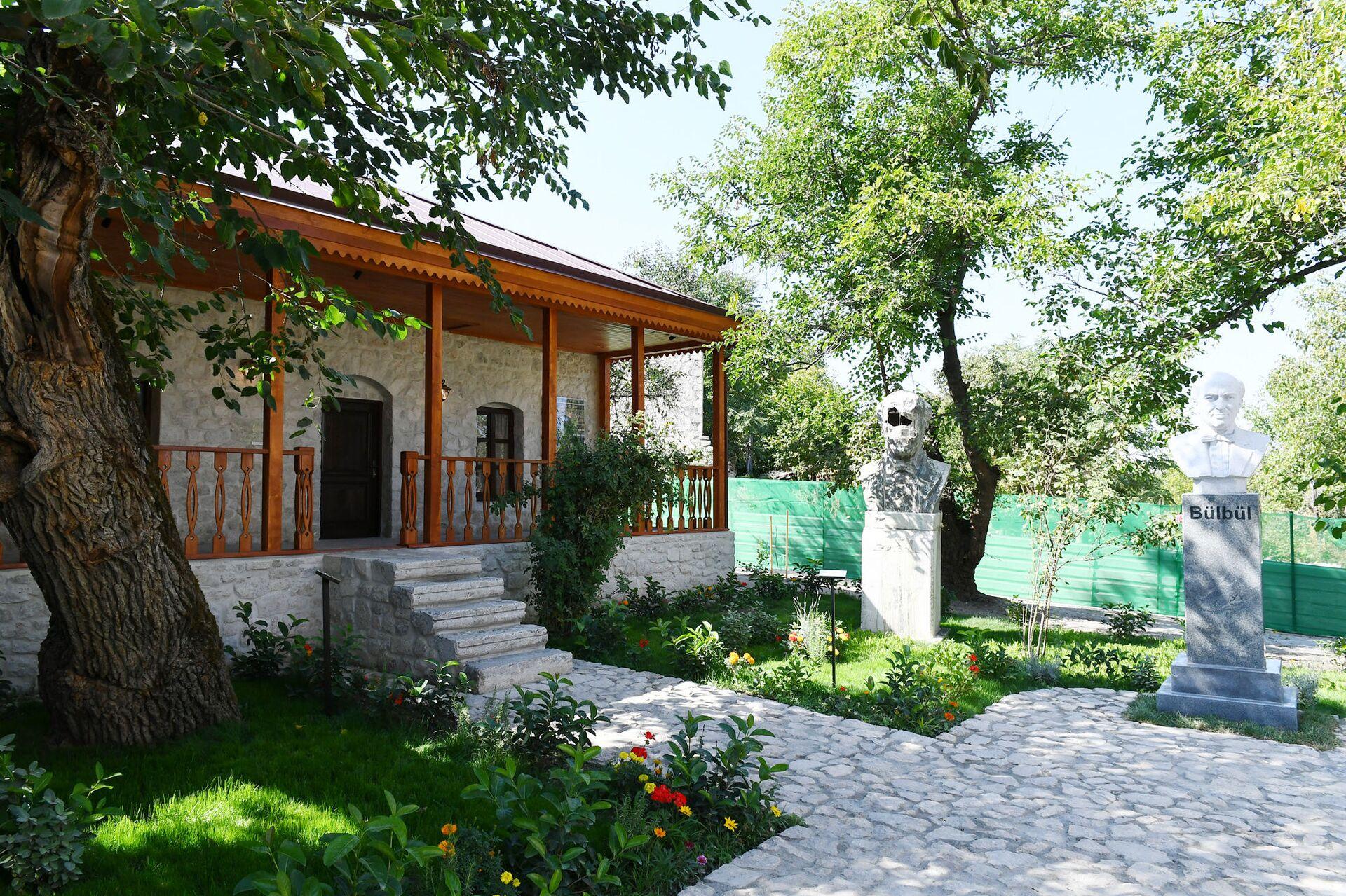 Şuşada Bülbülün ev-muzeyi - Sputnik Azərbaycan, 1920, 01.10.2021