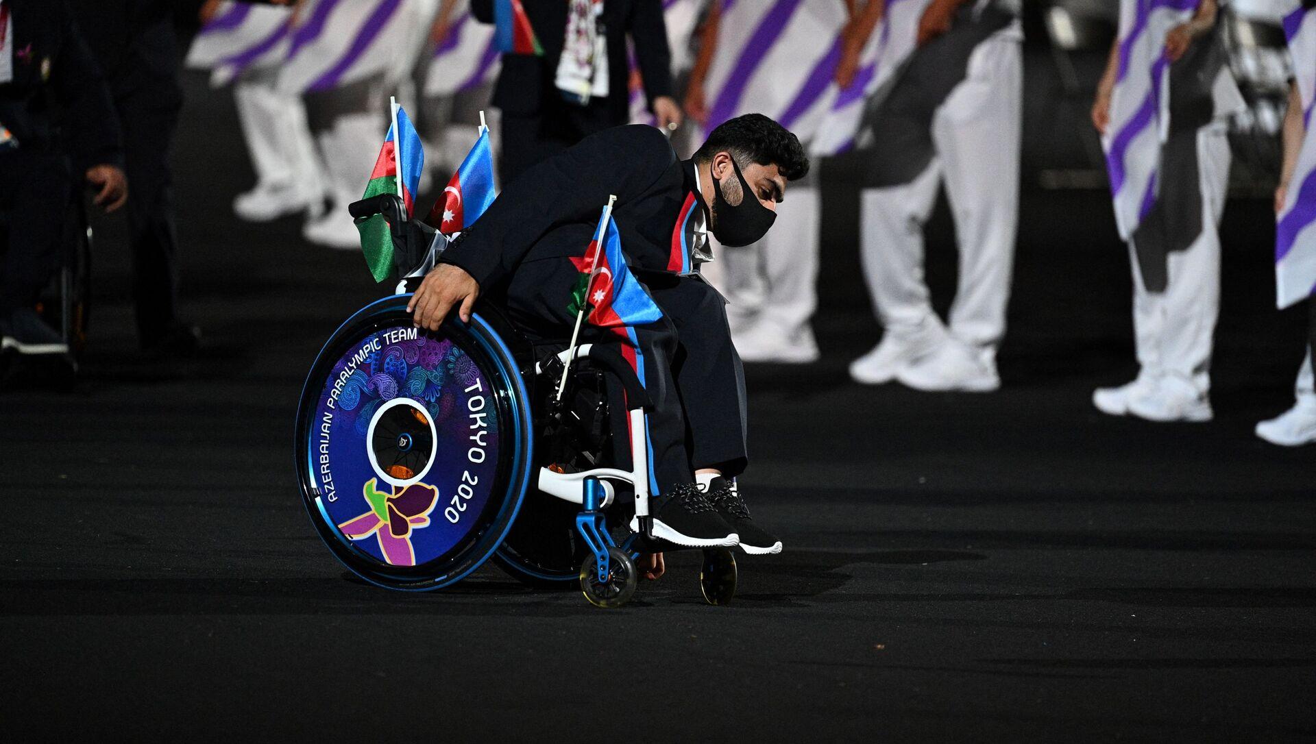 Член сборной Азербайджана прибыл на церемонию открытия Паралимпийских игр 2020 года в Токио в Токио 24 августа 2021 года - Sputnik Азербайджан, 1920, 30.08.2021