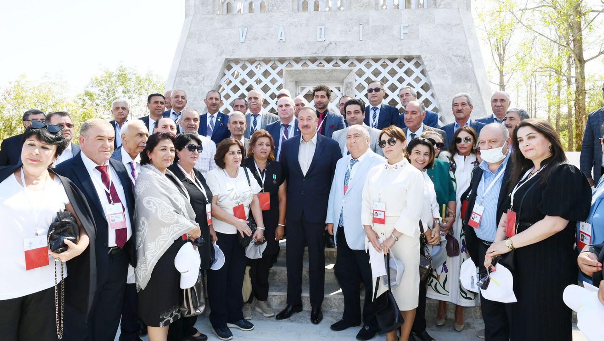 Prezident İlham Əliyev Şuşada Vaqif Poeziya Günlərinin açılışında - Sputnik Azərbaycan, 1920, 02.09.2021
