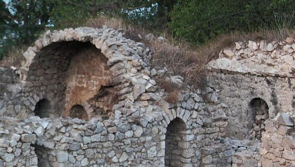 Руины замка Панах Али Хана Джаваншира - Sputnik Азербайджан