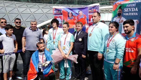 Azərbaycan Paralimpiyaçıları bu  gün Vətənə qayıtdılar - Sputnik Azərbaycan