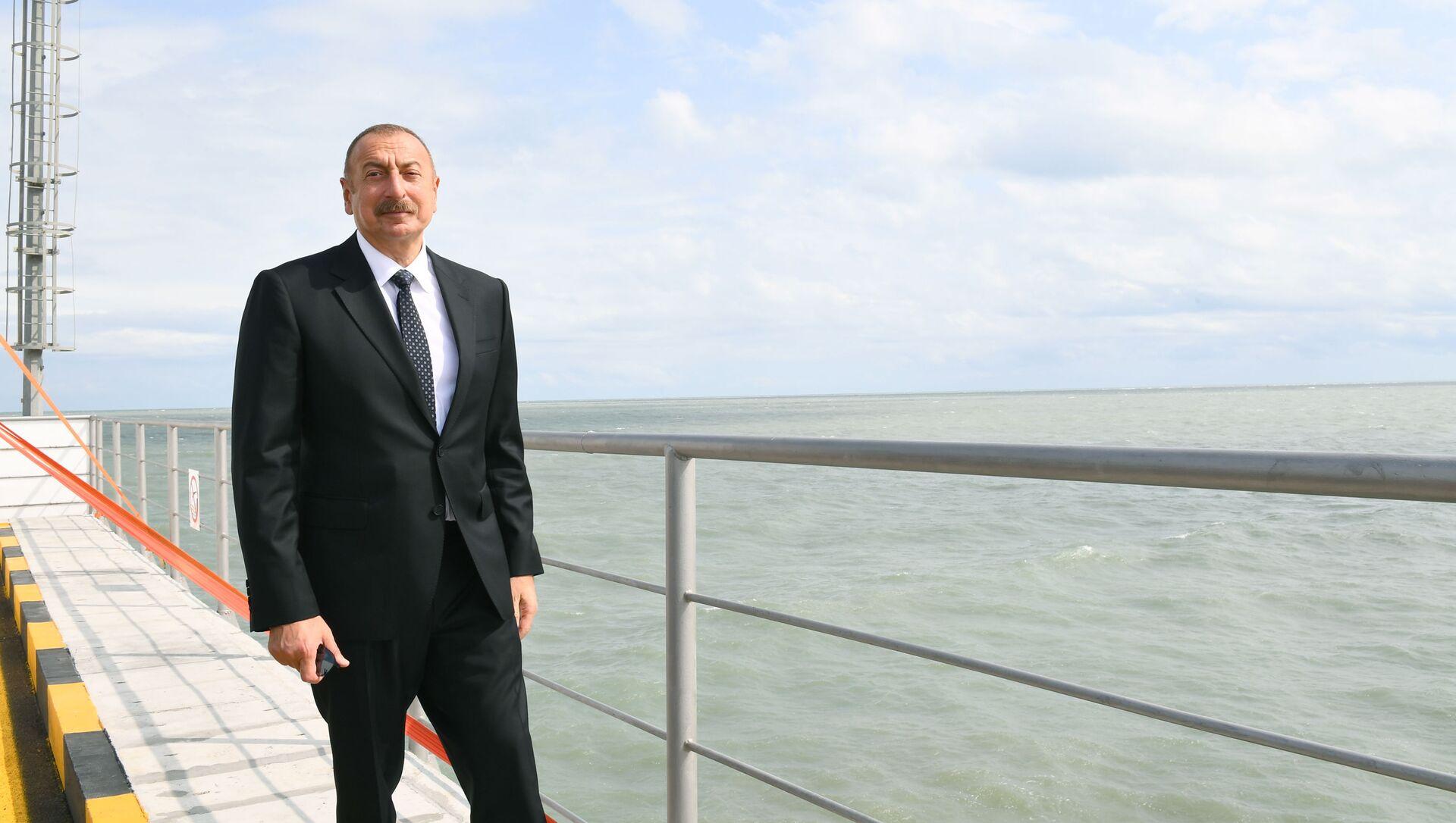 Президент Ильхам Алиев принял участие в открытии новой эстакады-насосной станции Сумгайытской электростанции - Sputnik Азербайджан, 1920, 03.09.2021