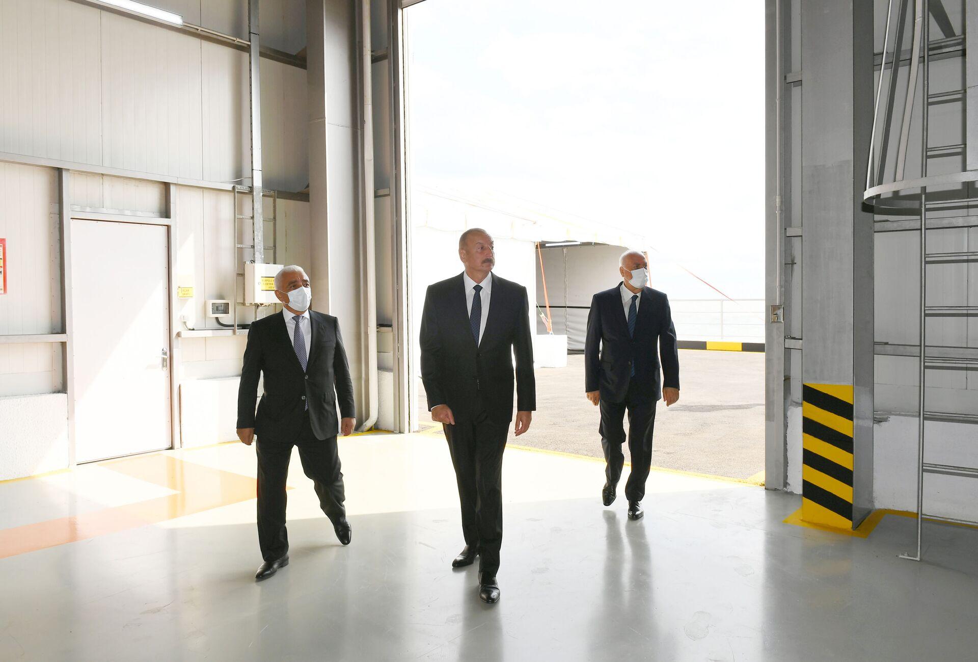 Президент Ильхам Алиев принял участие в открытии новой эстакады-насосной станции Сумгайытской электростанции - Sputnik Азербайджан, 1920, 01.10.2021